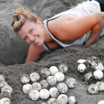 Ross Vet DVM MSc student Kristine Hill leatherback sea turtles project
